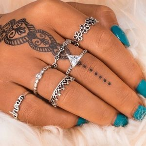 Jewelry - ♡ Crystal Dream/ Welcome Midi Rings Set